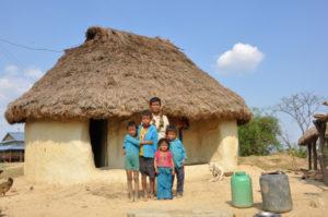een arme boer die zijn land afstaat voor de bouw van een nieuwe school