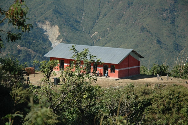 lagere school in het bergdorp Baluwa